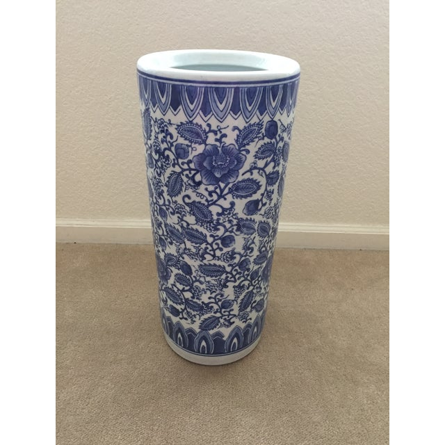 Blue and white porcelain umbrella stand. Good to excellent used condition. Smoke-free environment.