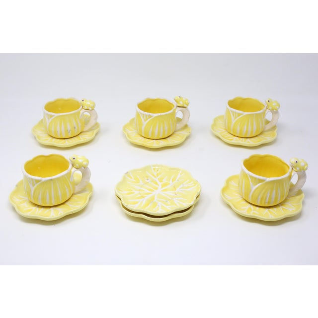 Vintage Hand-Painted Yellow and White Flower and Frog Espresso Cups and Saucers - Set of 12 For Sale In Tampa - Image 6 of 13