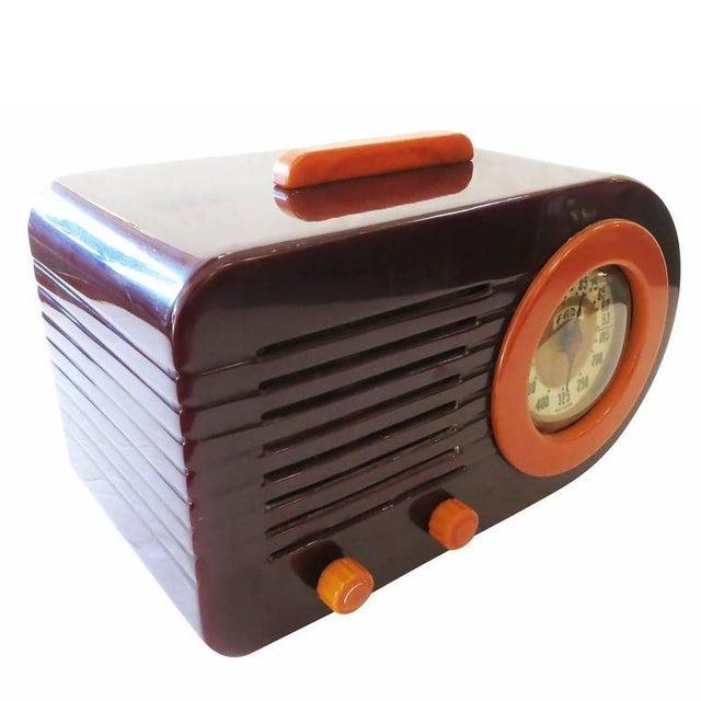 "Fada Model 1000 ""Bullet"" Coffee and Caramel Catalin Tube Radio - Image 5 of 10"
