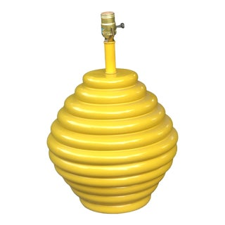 Vintage Mid Century Modern Yellow Beehive Pottery Table Lamp For Sale