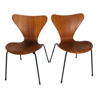Vintage Mid Century Fritz Hansen Danish Arne Jacobsen Chairs- a Pair For Sale