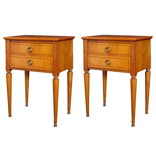 A stylish pair of French mid-century modern sycamore 2-drawer bedside cabinets For Sale In San Francisco - Image 6 of 6