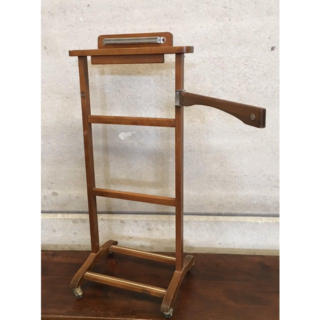 Italian Cherry Valet Stand Dressboy in the Manner of Fratelli Reguitti, 1960s For Sale - Image 4 of 13
