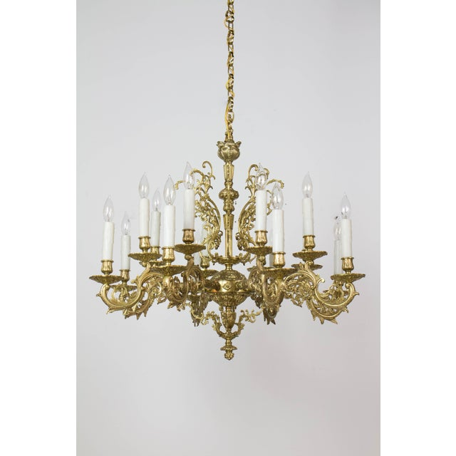 20th Century Traditional Sixteen Light Cast Brass Chandelier For Sale In Boston - Image 6 of 6