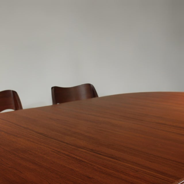 Møller Model 71 & 55 Chairs and Vv Møbler Extension Table - 7 Piece Dining Set For Sale In Charlotte - Image 6 of 12