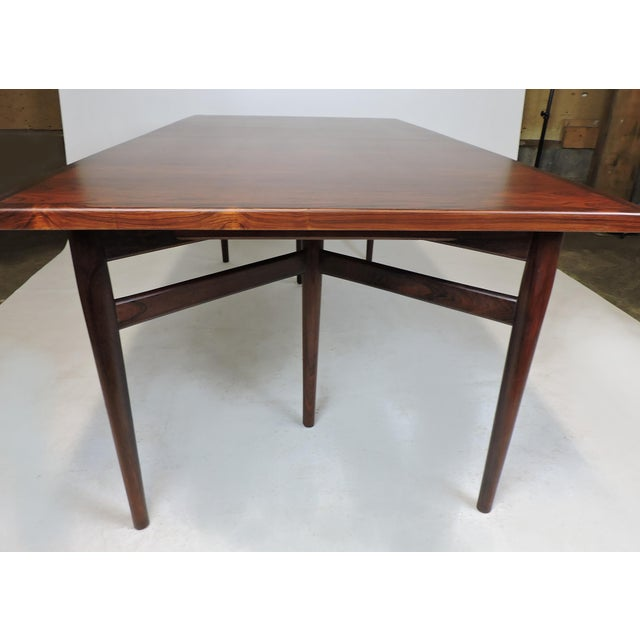 1960s Arne Vodder Expandable Danish Modern Rosewood Dining Conference Table Model 201 For Sale - Image 5 of 13