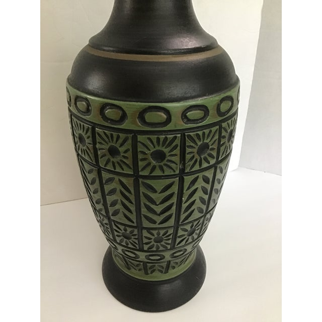 Mid-Century Modern 20th Century Pottery Geometric Table Lamp For Sale - Image 3 of 10