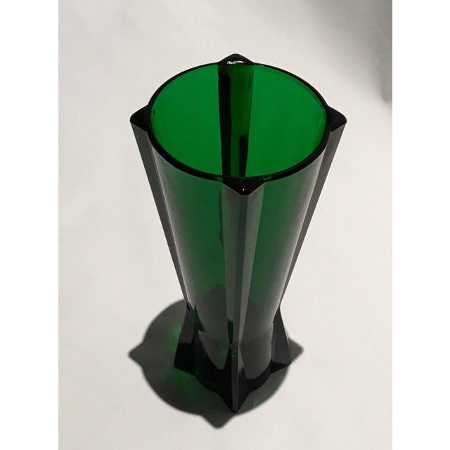 Glass 1961 Vintage Anchor Hocking Glass Co. Emerald Green Atomic Rocket Vase For Sale - Image 7 of 8