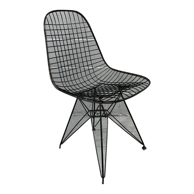 Charles Eames Wire Eiffel DKR Chair in Black Coated Metal For Sale
