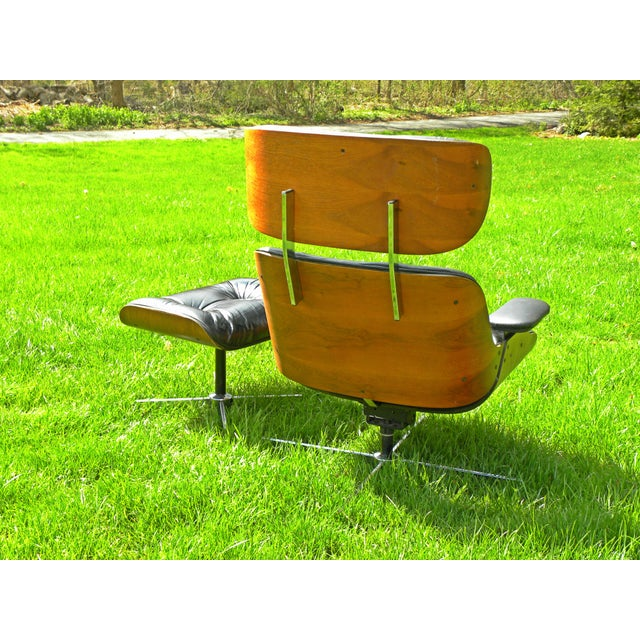 Black Vintage Plycraft Mid Century Vintage Leather Lounge Chair & Ottoman For Sale - Image 8 of 11
