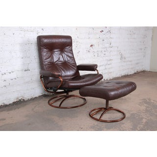Ekornes Stressless Brown Leather Lounge Chair and Ottoman Preview