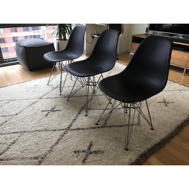 Herman Miller Eames Molded Plastic Chair/ Herman Miller - Set of 3 For Sale - Image 4 of 6