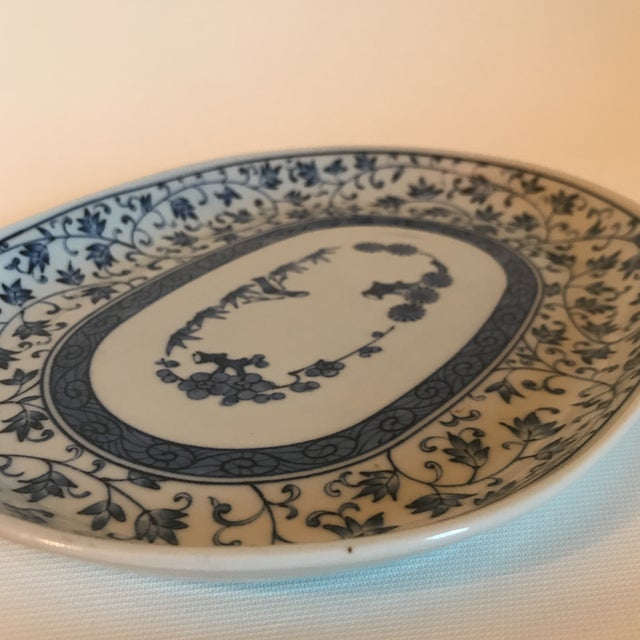 Early 20th Century Blue and White Chinese Porcelain Oval Dish For Sale - Image 5 of 7