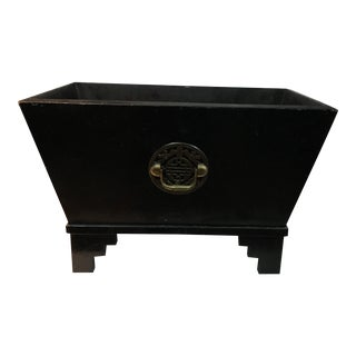 Chinese Lacquered Medallion Planter For Sale