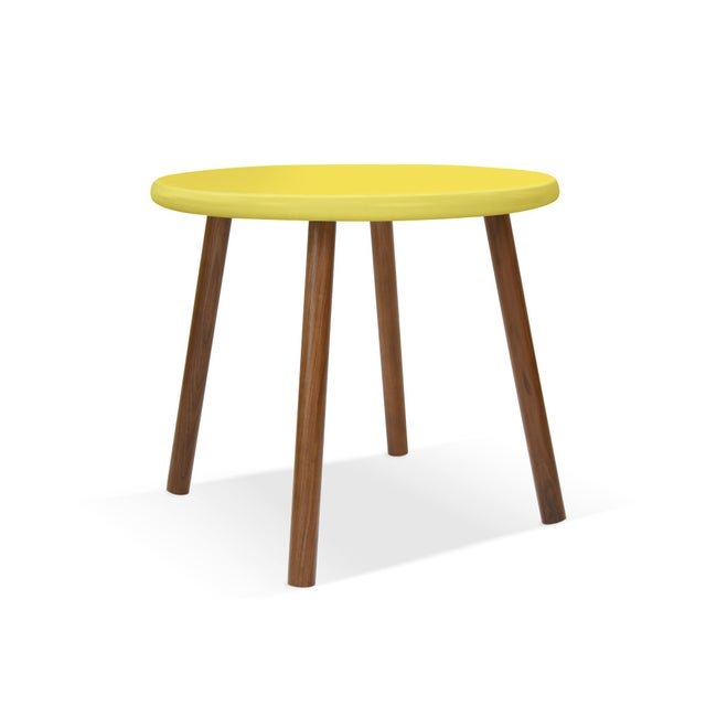 """Contemporary Peewee Large Round 30"""" Kids Table in Walnut With Yellow Finish Accent For Sale - Image 3 of 3"""