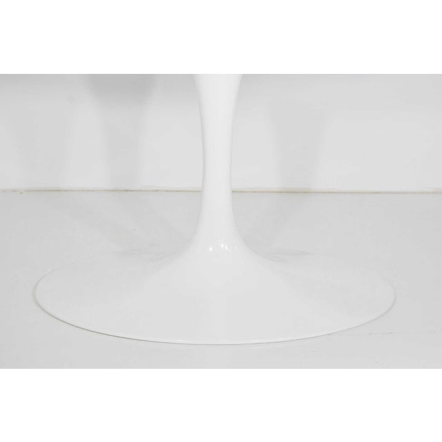 White Eero Saarinen for Knoll Oval Tulip Table For Sale - Image 8 of 9