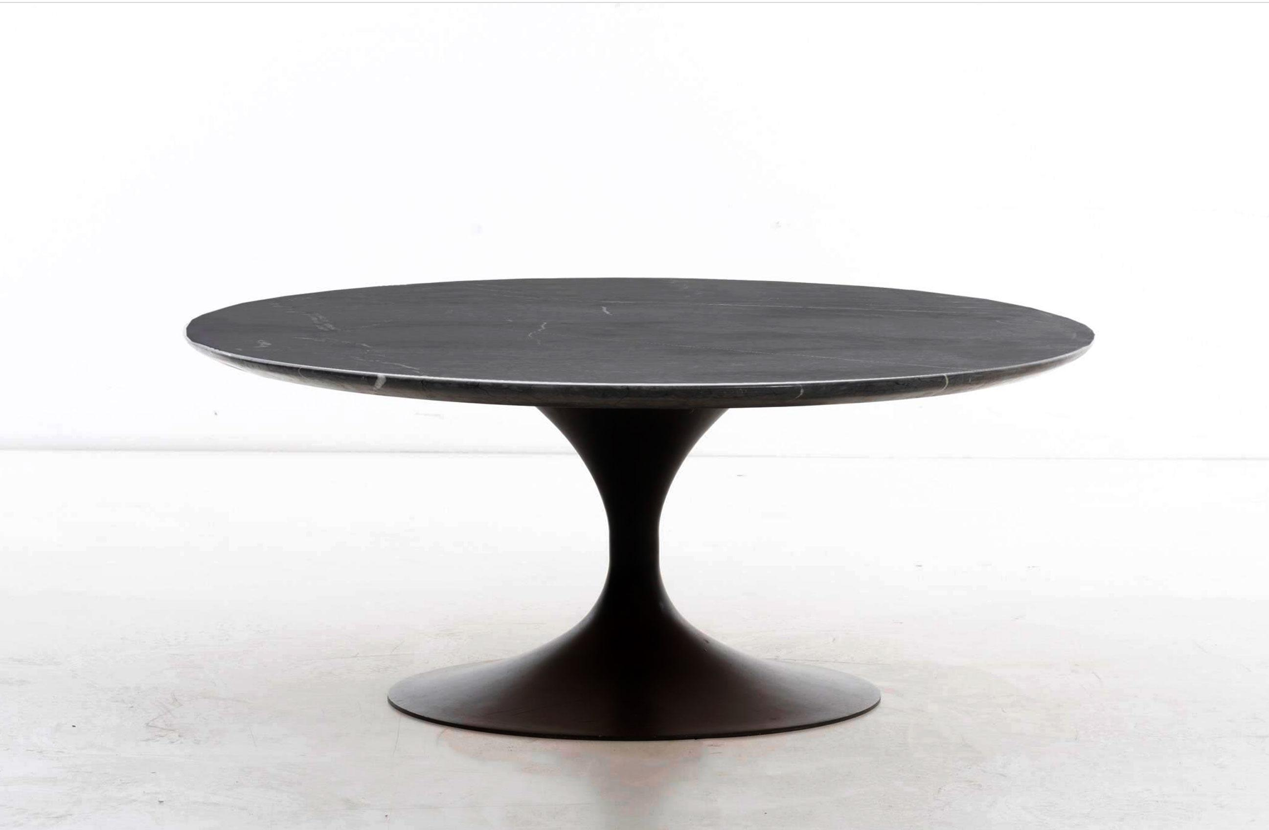 Captivating Eero Saarinen Marble Coffee Table   Image 4 Of 9