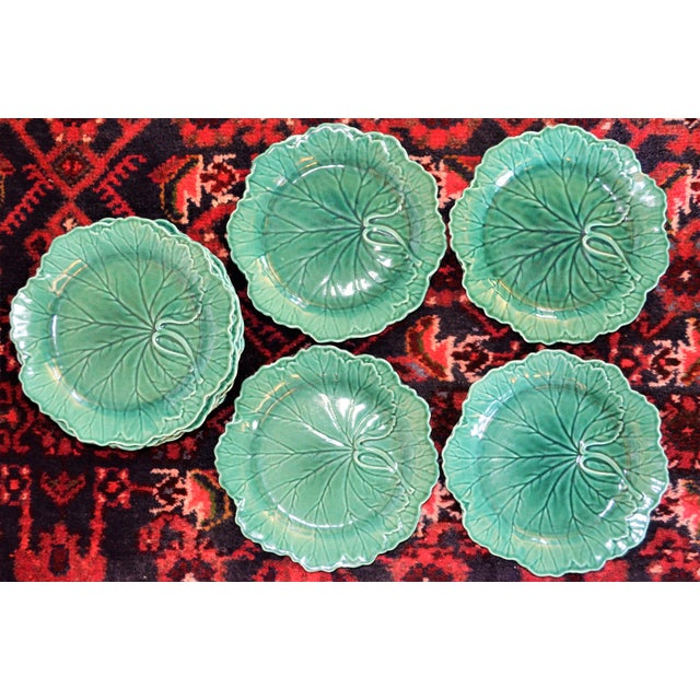 Ceramic 1950s English Traditional Wedgwood Majolica Plates - Set of 5 For Sale - Image 7 of 9