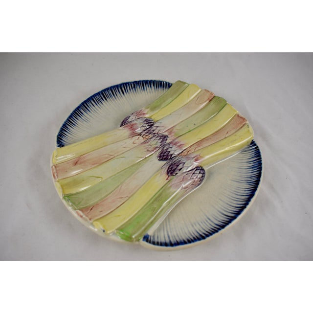 Majolica Pexonne French Faïence Majolica Hand-Painted Asparagus Plate For Sale - Image 4 of 11