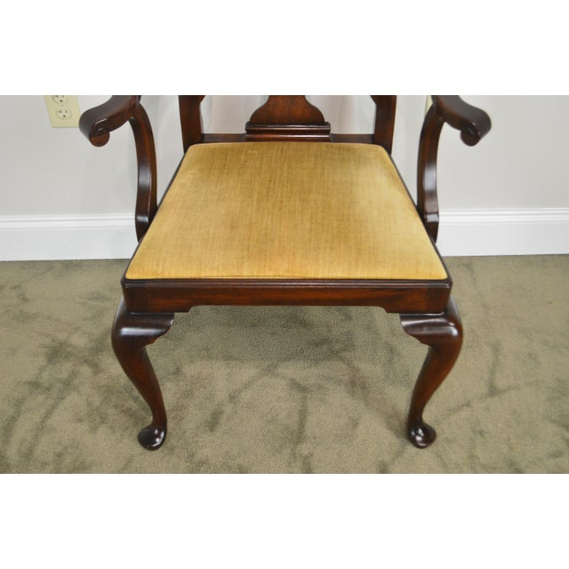 Henkel Harris Henkel Harris Queen Anne Style Mahogany Pair of Arm Chairs #110a For Sale - Image 4 of 12