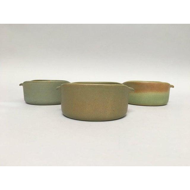 Bennington Potters Bennington Potters Stoneware Lug Bowls - Set of 3 For Sale - Image 4 of 11