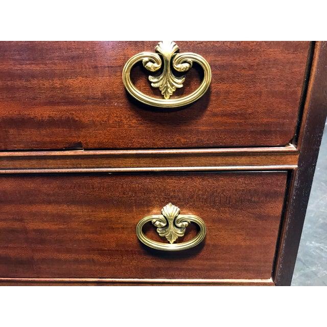 HENREDON 'Sovereign' Chippendale Semainier / Lingerie Chest Buckingham For Sale - Image 10 of 11