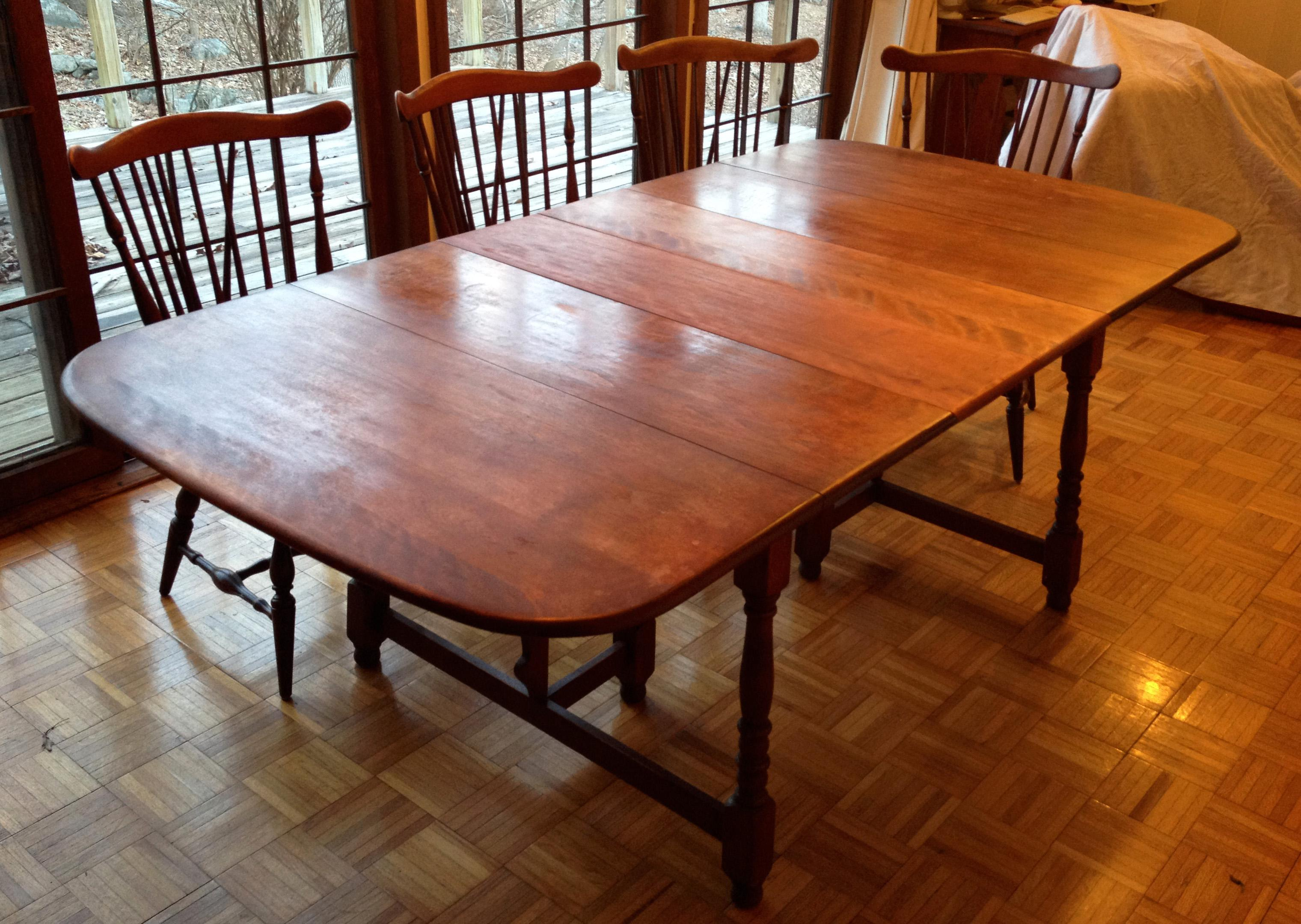 Heywood Wakefield Colonial Dining Room Set, Circa 1950, Monticello Finish.  Table Has