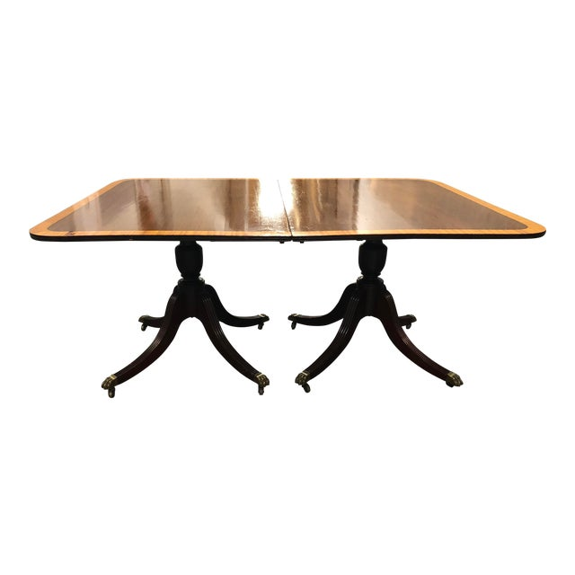 Vintage Queen Ann Convertible Pedetstal Table For Sale
