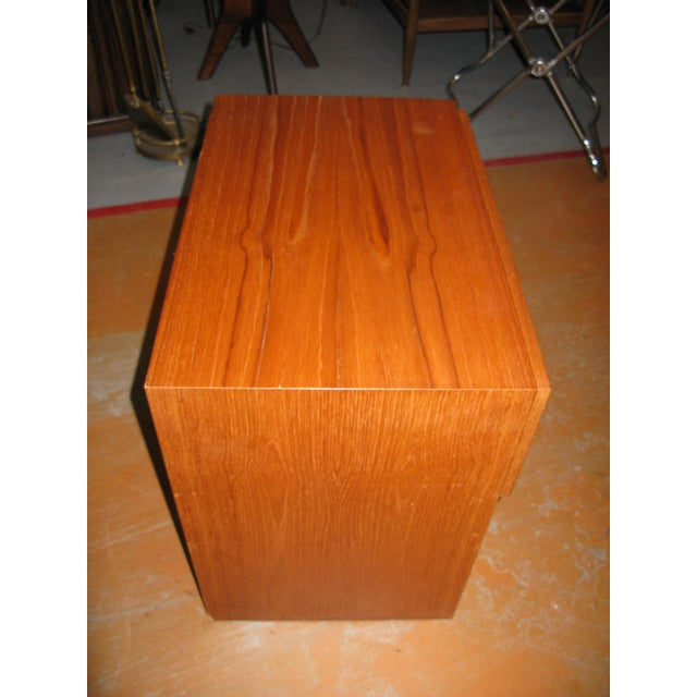 Mid-Century Danish Modern Teak Vinde Mobelfabrik 1-Drawer Nightstand For Sale - Image 9 of 10