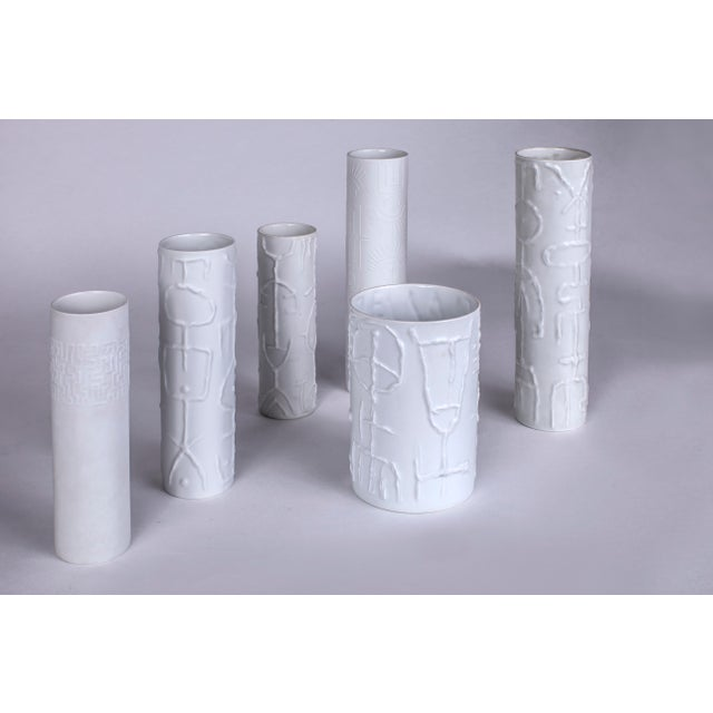 Rosenthal 1962 Vintage Cuno Fischer for Rosenthal German White Porcelain Vases With Abstract Relief - Set of 6 For Sale - Image 4 of 6