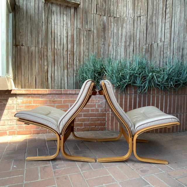 1990s Vintage Westnofa Ingmar Relling Design Leather & Bent Wood Lounge Chairs - a Pair For Sale - Image 5 of 13