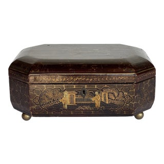 19th Century Black and Gold Chinoiserie Box For Sale