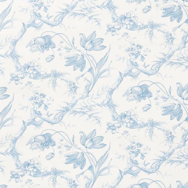 Schumacher Sample - Schumacher Toile De Fleurs Wallpaper in Delft For Sale - Image 4 of 4