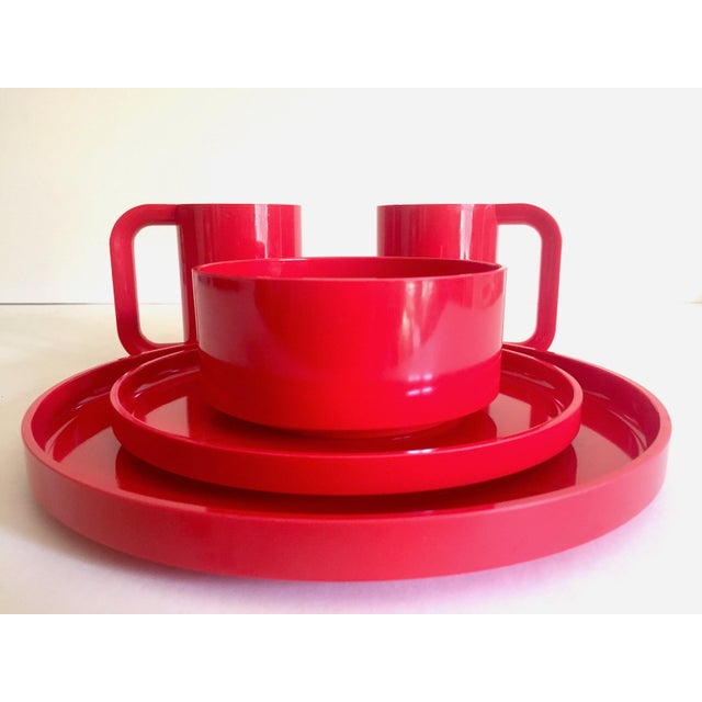 Red Vintage 1970's Heller Massimo & Lella Vignelli Red Melamine Iconic Stacking Modernist Dinnerware - 40 Pc Set For Sale - Image 8 of 13