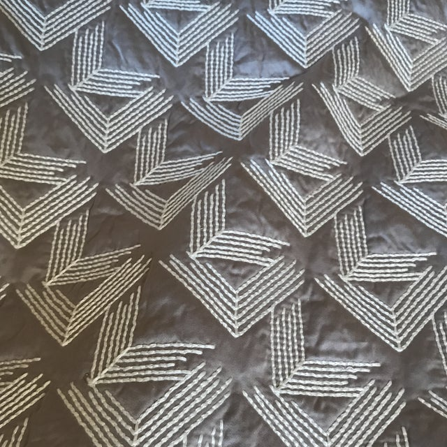 Contemporary Miles Redd Schumacher V Step Fabric 3 Yards For Sale - Image 3 of 5
