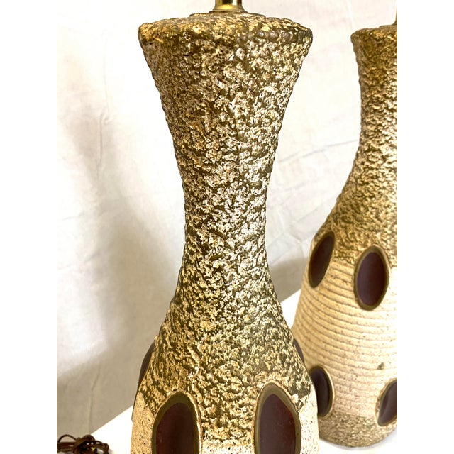 Stunning Leviton Mid Century Modern Ceramic Pottery Table Lamps - a Pair For Sale In New York - Image 6 of 13