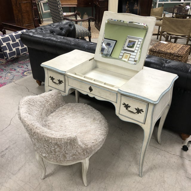 John Widdicomb French Provincial Vanity & Chair For Sale - Image 10 of 13