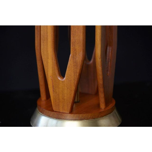 Brown Geometric Teak Table Lamp with Brass Base For Sale - Image 8 of 10
