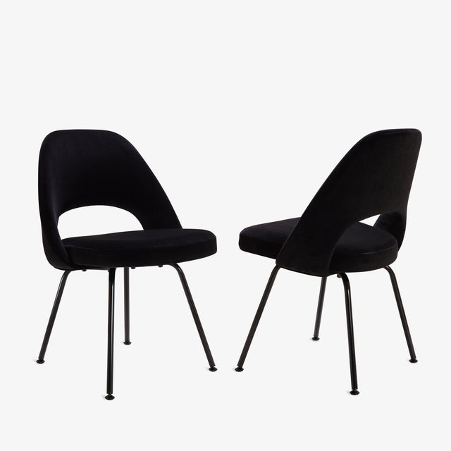 Eero Saarinen Original Vintage Saarinen Executive Armless Chairs, Custom Restored Black Edition - Set of 6 For Sale - Image 4 of 9