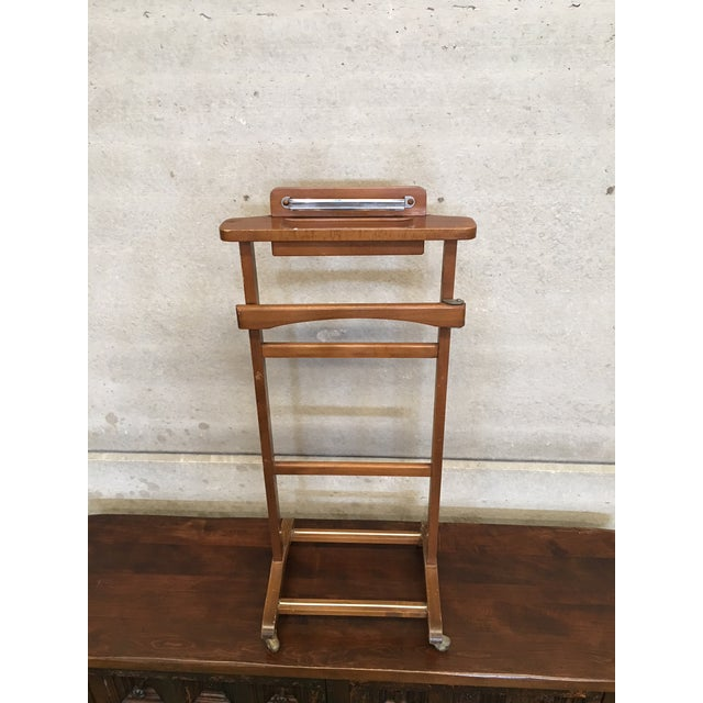 Italian Cherry Valet Stand Dressboy in the Manner of Fratelli Reguitti, 1960s For Sale - Image 11 of 13