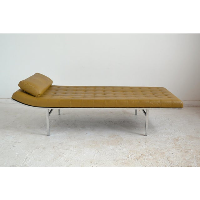 Mid-Century Modern Jules Heumann Chaise by Metropolitan For Sale - Image 3 of 11