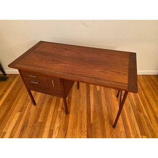 Paul McCobb Lane Delineator Rosewood and Walnut Desk Preview