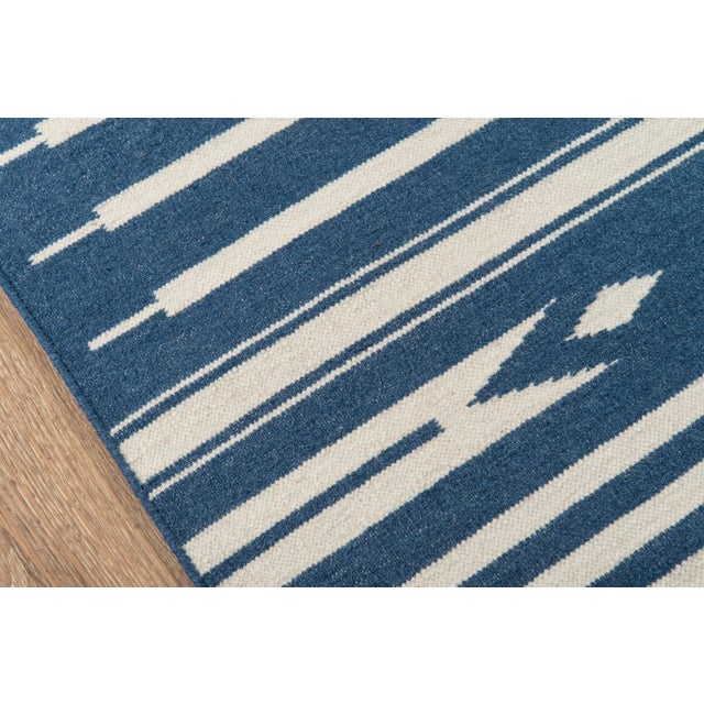 "Contemporary Erin Gates by Momeni Thompson Billings Denim Hand Woven Wool Area Rug - 5' X 7'6"" For Sale - Image 3 of 8"