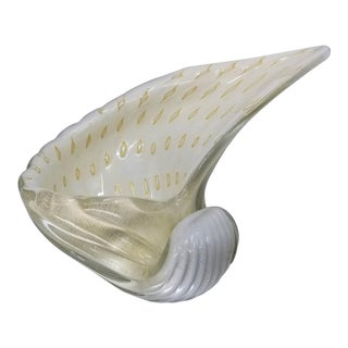 Large Murano Glass White and Gold Conch Shell Bowl by Alfredo Barbini - Mid Century Modern Palm Beach Boho Chic Italy For Sale
