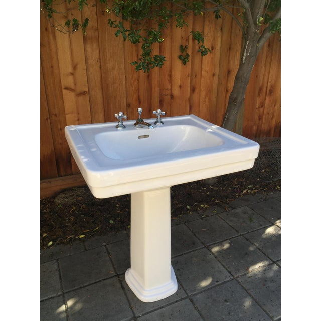 Traditional Toto Promenade Pedestal Sink - Image 3 of 5