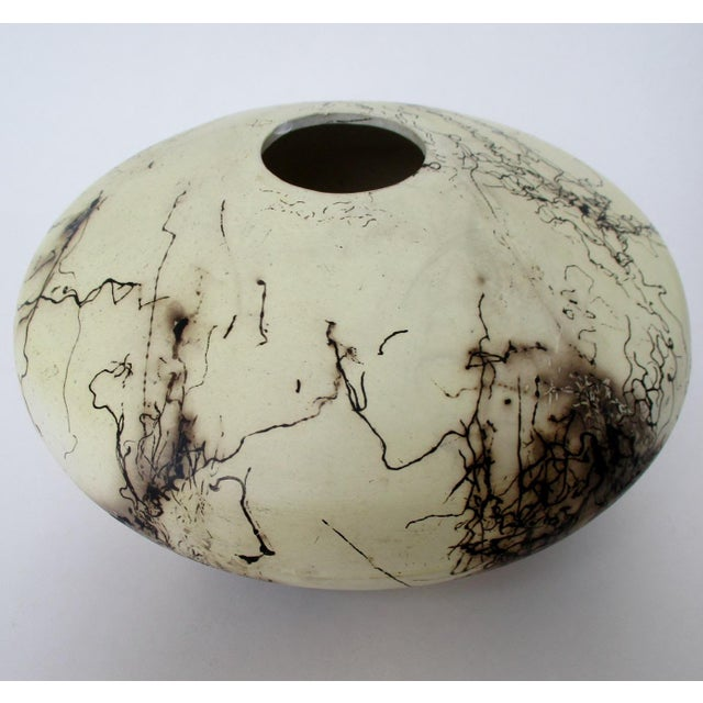 Late 20th Century Navajo Artisan Horsehair Vase For Sale - Image 5 of 8