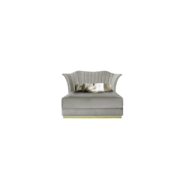 Caprichosa Bed From Covet Paris For Sale