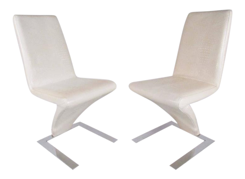 Modern Verner Panton Style Cantilever Chairs   A Pair