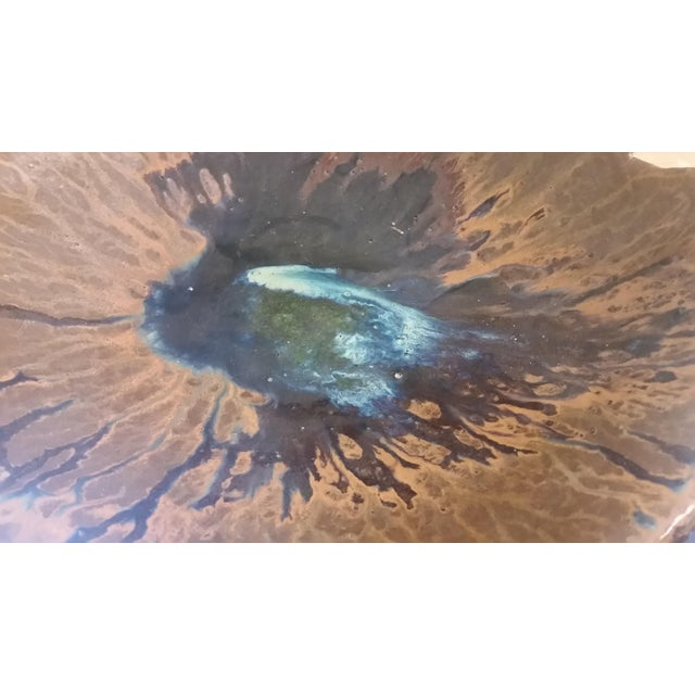 Here's an exceptional stoneware artisan bowl that emulates live edge wood. The colors are rich and alluring. No chips or...