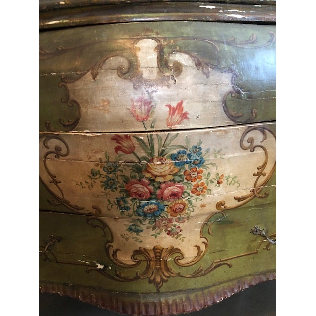 Wood 18th Century Venetian Rococo Bombe Chest of Drawers For Sale - Image 7 of 13
